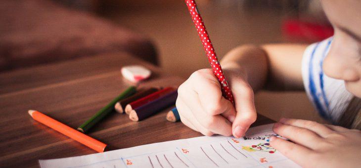 Praca domowa – czy warto ją odrabiać?