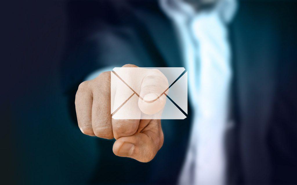 jak napisać formalny e-mail po angielsku